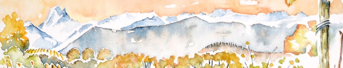 A l'aquarelle, la chaîne des Pyrénées enneigée, sur la gauche le pic du Midi d'Ossau. En premier plan, la végétation est aux couleurs d'automne tout comme le ciel
