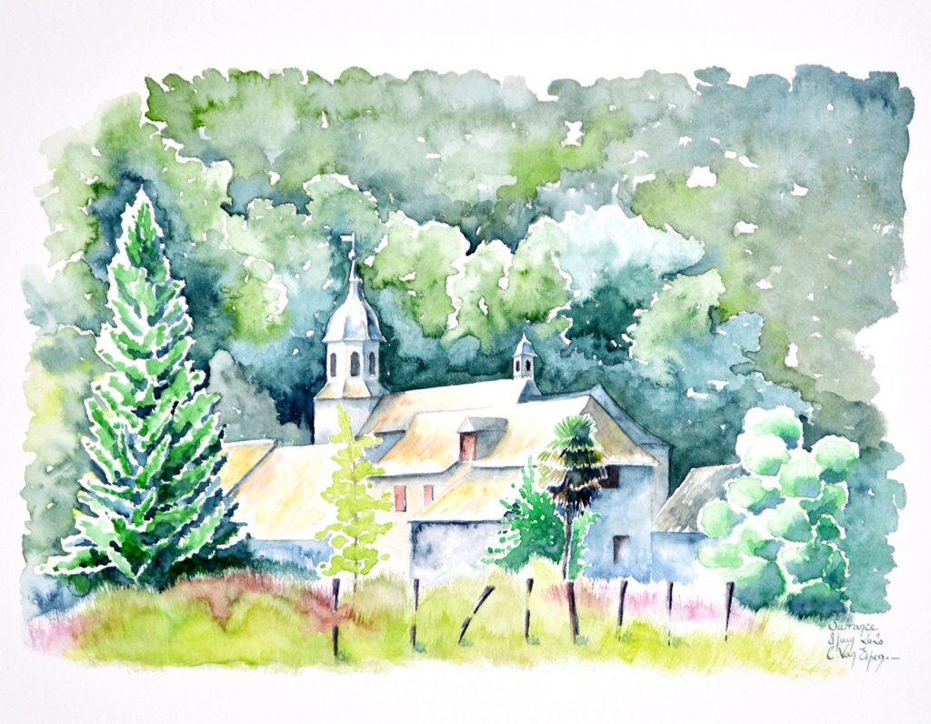 Aquarelles du Béarn, dans un écrin de verdure, le village de Sarrance qui est dominé par le clocher de l'église. En premier plan une clôture traditionnelle, un pré puis un immense sapin sur la gauche, alors que à droite un arbre constitué d'une superposition de masses végétales. Entre deux, différents bâtis.